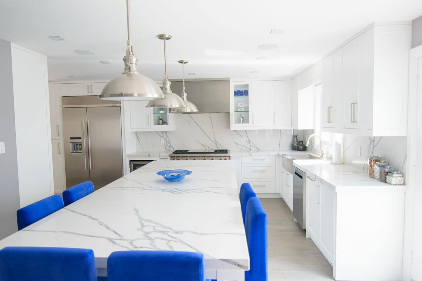 White Kitchen With Blue Accents Delsur Marble